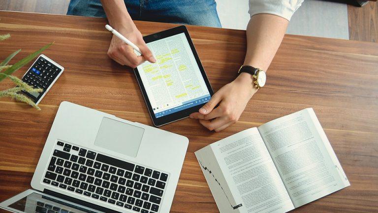 Università Online: quanto costa laurearsi online